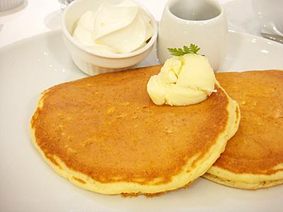 「バターミルクパンケーキ ~純生クリーム添え~」