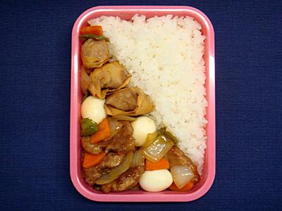 4/23 豚肉と野菜の黒酢炒め弁当